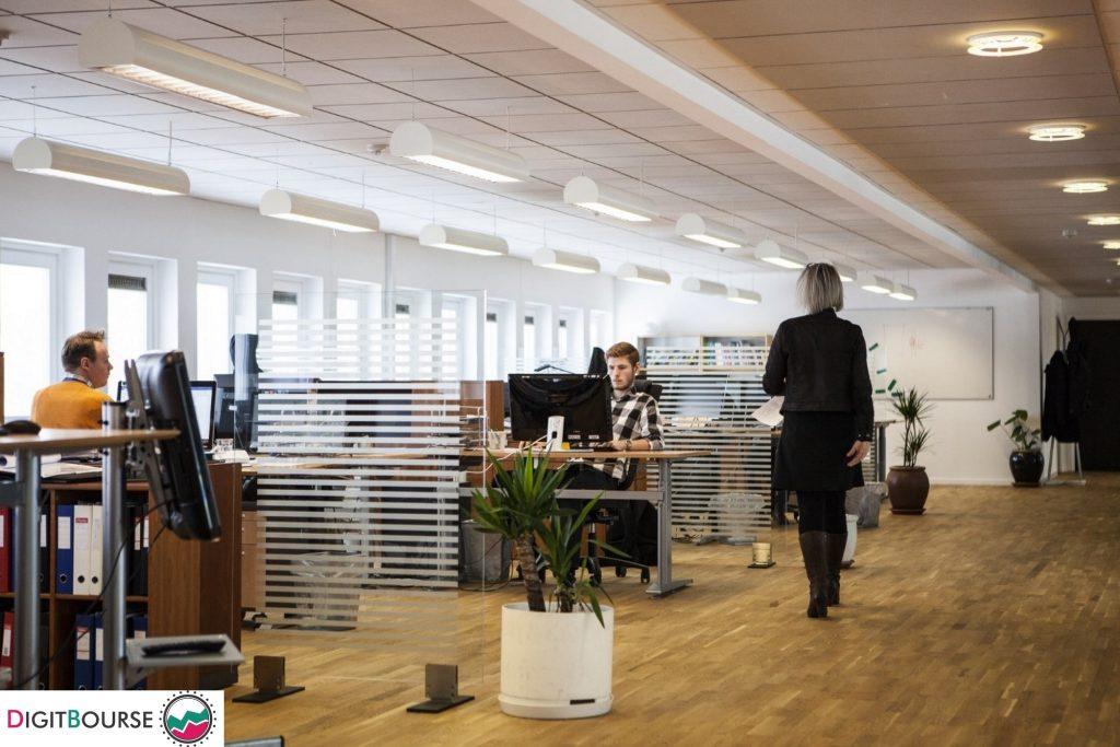 وسترن یونیون - اکنون با سیستم مرکز کلرینگ اتوماتیک (Automated Clearing House) که به خدمات خود اضافه کرده است